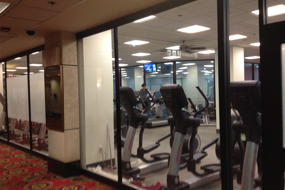 Chicago-OHare-Hilton-Fitness-Center-Privacy-window-film-before